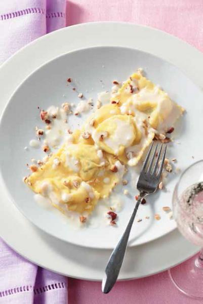 Tortelli di bietole in crema di parmigiano